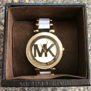 *NEW**Micheal Kors white and gold watch never worn